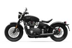 Triumph Bonneville Bobber Black 2018 06