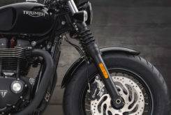 Triumph Bonneville Bobber Black 2018 15