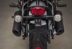 Triumph Bonneville Bobber Black 2018 17