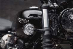 Triumph Bonneville Bobber Black 2018 27
