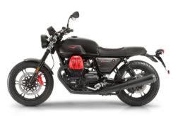 Moto Guzzi V7 III Carbon 2018 05