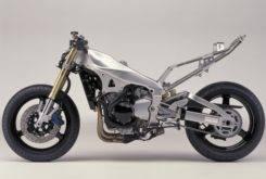 Yamaha YZF R1 2001 03