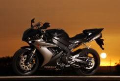 Yamaha YZF R1 2004 24