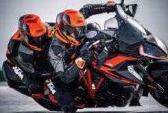 KTM 1290 Super Duke GT 2019 09