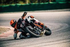 KTM 1290 Super Duke R 2019 01