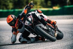 KTM 1290 Super Duke R 2019 03