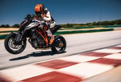 KTM 1290 Super Duke R 2019 05