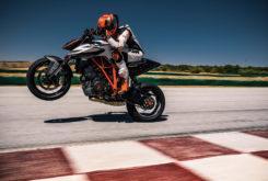 KTM 1290 Super Duke R 2019 06