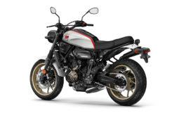 Yamaha XSR700 XTribute 2019 Estudio 1
