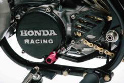 Deus Honda CR500 Dani Pedrosa 26 engine cover
