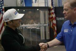 Toni Elias visits NASA