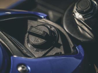 Kawasaki Ninja 125 vs Suzuki GSX R 125 (80)