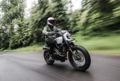 Yamaha XSR700 Sur Les Chapeaux De Roues 01