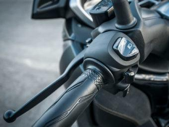 Yamaha Xmax 300 Honda Forza 300 201960
