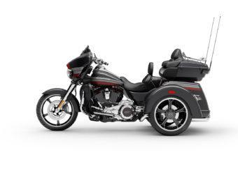 Harley Davidson CVO Tri Glide 2020 03