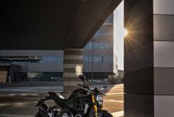 Ducati Monster 1200 S 2020 Black on black7
