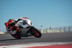 Ducati Panigale V2 2020 White Rosso (33)