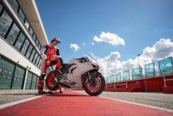 Ducati Panigale V2 2020 White Rosso (37)