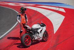 Ducati Panigale V2 2020 White Rosso (39)