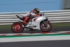 Ducati Panigale V2 2020 White Rosso (44)