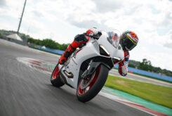 Ducati Panigale V2 2020 White Rosso (52)