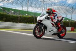 Ducati Panigale V2 2020 White Rosso (54)