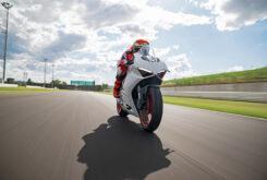 Ducati Panigale V2 2020 White Rosso (56)