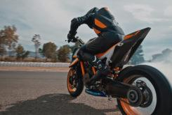 KTM 1290 Super Duke R 2020 teaser (7)