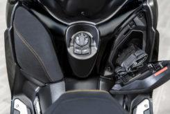 Yamaha XMAX 300 Tech Max 2020 30