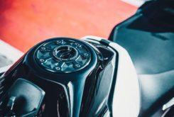 KTM 890 Duke R 2020 35