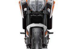 KTM 890 Duke R 2020 45