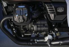 Moto Guzzi V7 III Stone Night Pack 202032