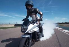 Suzuki Katana Sarah Lezito stunt 01