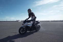Suzuki Katana Sarah Lezito stunt 02