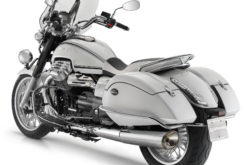 Moto Guzzi California 1400 Touring 13