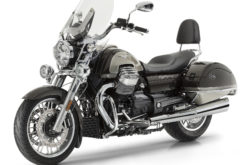 Moto Guzzi California 1400 Touring SE estudio
