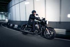 Moto Guzzi California 1400 Touring tunel
