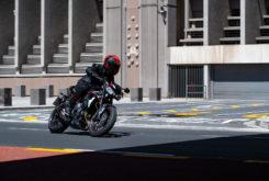 Triumph Street Triple R 2020 09