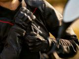 BMW XRide traje guantes trail