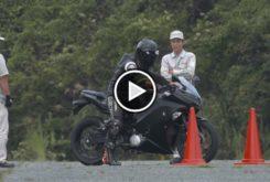 Kawasaki EV Endeavor moto electrica play
