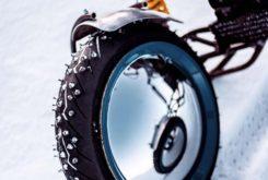 preparacion moto 3 ruedas Balamutti ice clavos