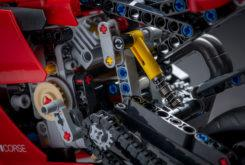 Ducati Panigale V4 R LEGO ohlins copia