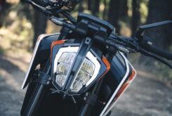 KTM 890 Duke R 2020 detalles 11