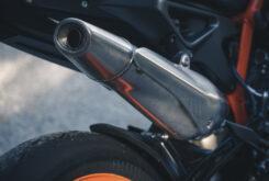 KTM 890 Duke R 2020 detalles 15