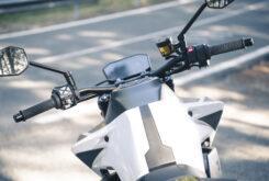 KTM 890 Duke R 2020 detalles 25
