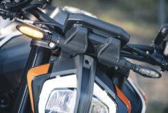 KTM 890 Duke R 2020 detalles 29