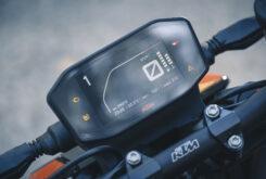 KTM 890 Duke R 2020 detalles 8