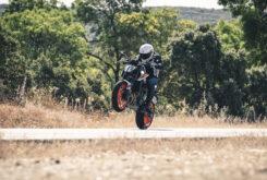KTM 890 Duke R 2020 prueba 16
