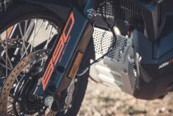 KTM 890 Adventure 2021  4