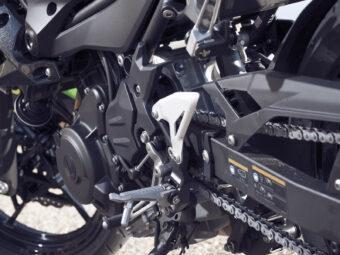 Yamaha MT 03 2020 vs Kawasaki Z400 2020 detalles18